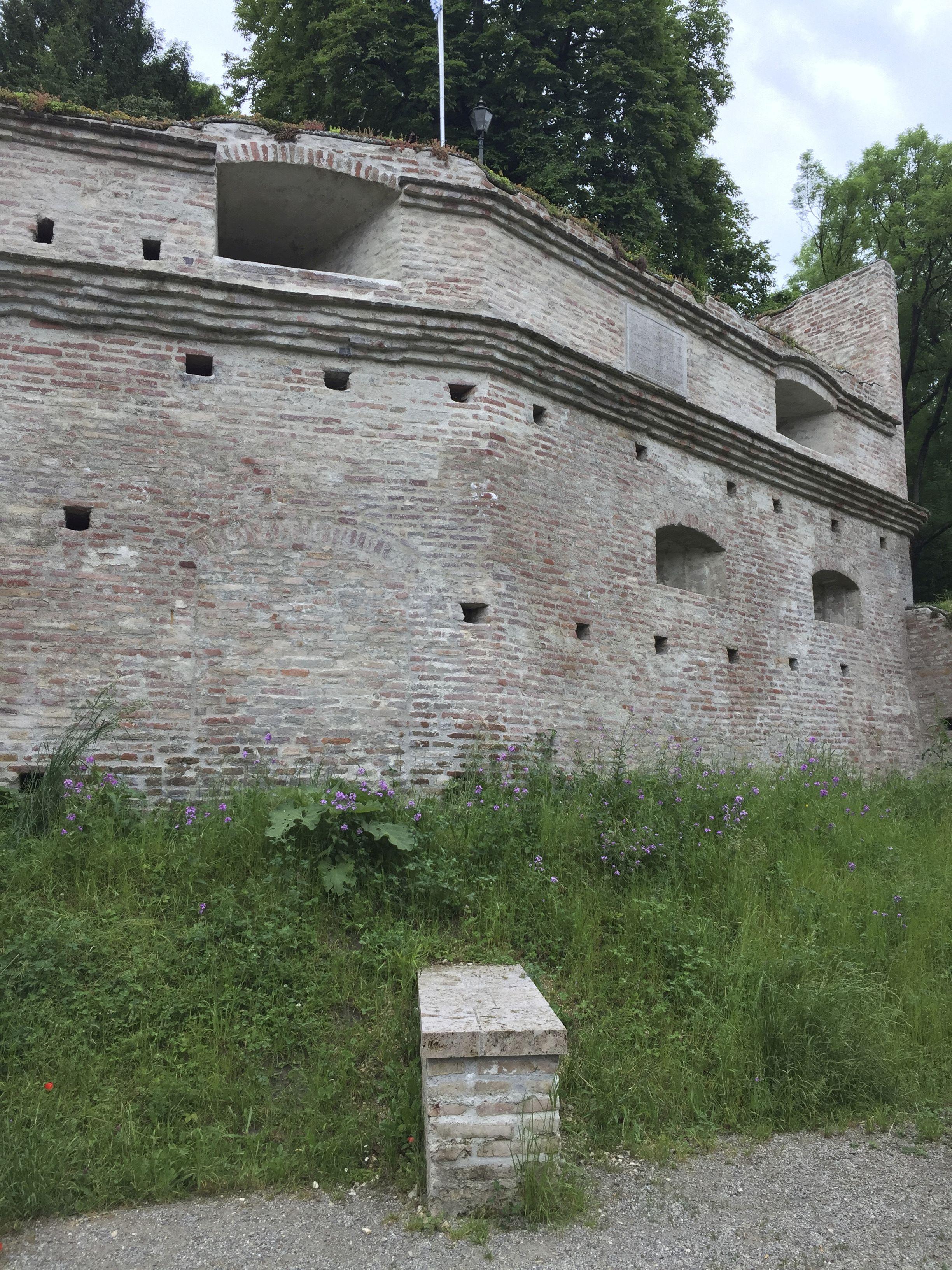 Deutsche Stiftung Denkmalschutz Fordervertrag Fur Augsburgs Stadtmauer